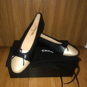 Brand new Chanel leather ballet flats Sz. 40